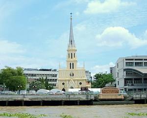 chao-phraya-river-tourist-boat-holy-rosary-church