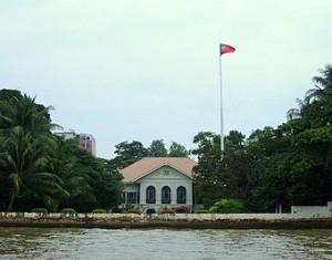 chao-phraya-river-tourist-boat-portuguese-embassy