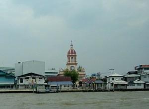 chao-phraya-river-tourist-boat-santa-cruz-church